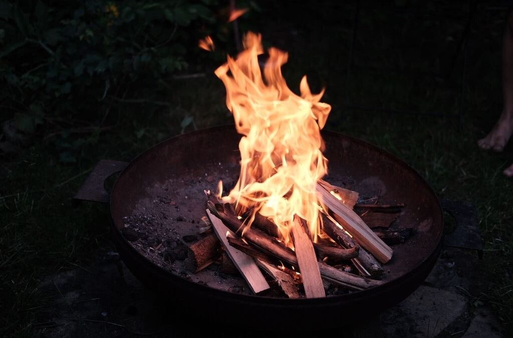 Am Feuer Feste feiern